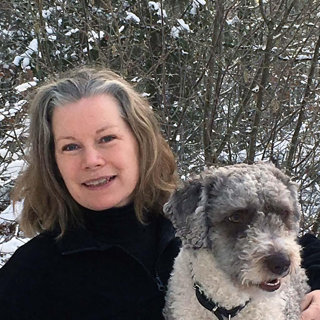Annelie Krsitell med sin hund